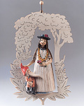Snow White with ornament (07998-A)